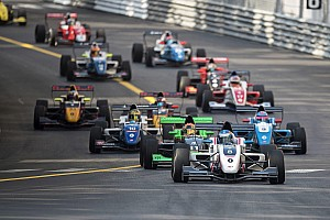 Formula Renault Race report Eurocup Monako: Palmer juarai Race 1 dari pole, Presley kecelakaan