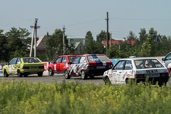 Українське кільце Репортаж з етапу Чемпіонат України з кільцевих гонок: спека у всіх сенсах (Частина 2)