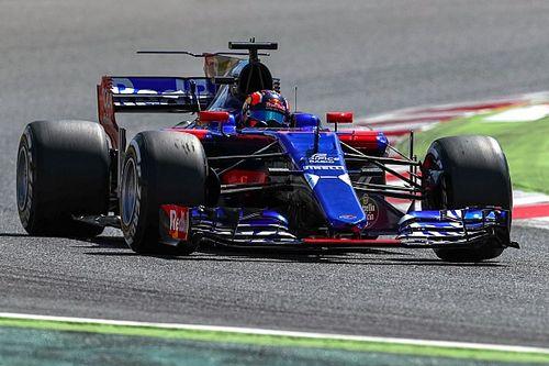 Kvyat blames Magnussen for Spanish GP clash