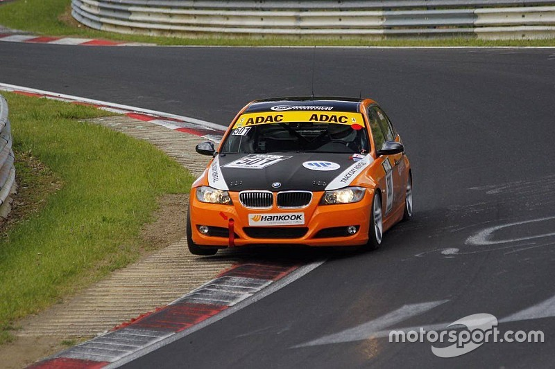 Aşarı Nürburgring'de podyumdaydı