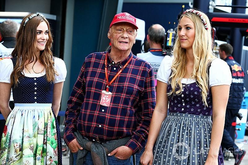 """Lauda: """"Quitar a las chicas de la parrilla es una decisión contra las mujeres"""""""
