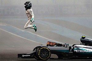 Mercedes: Rosberg şampiyona yakışır şekilde sürdü