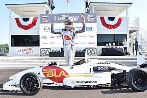Martin holds off Lloyd for Road America victory