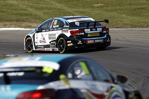 Brands Hatch BTCC: Ingram smashes qualifying record to take pole