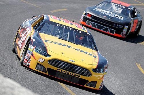 """""""L'équipe NASCAR Québec"""" fait une offre aux amateurs"""