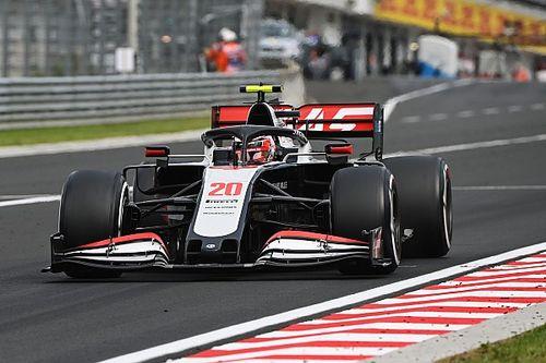 Haas-coureurs ontvangen tijdstraf, Magnussen zakt naar P10