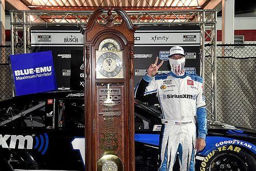 NASCAR: Martin Truex Jr. supera punição e vence em Martinsville