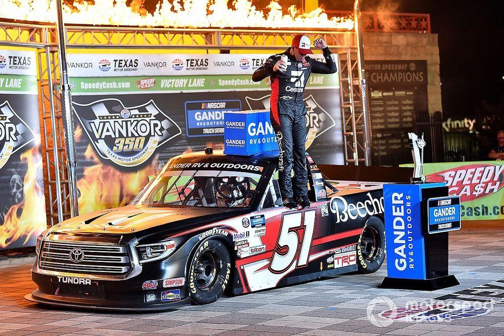 Kyle Busch tops teammate Eckes for Texas Truck Series win