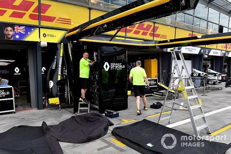 Renault F1 staff told to work from home ahead of shutdown