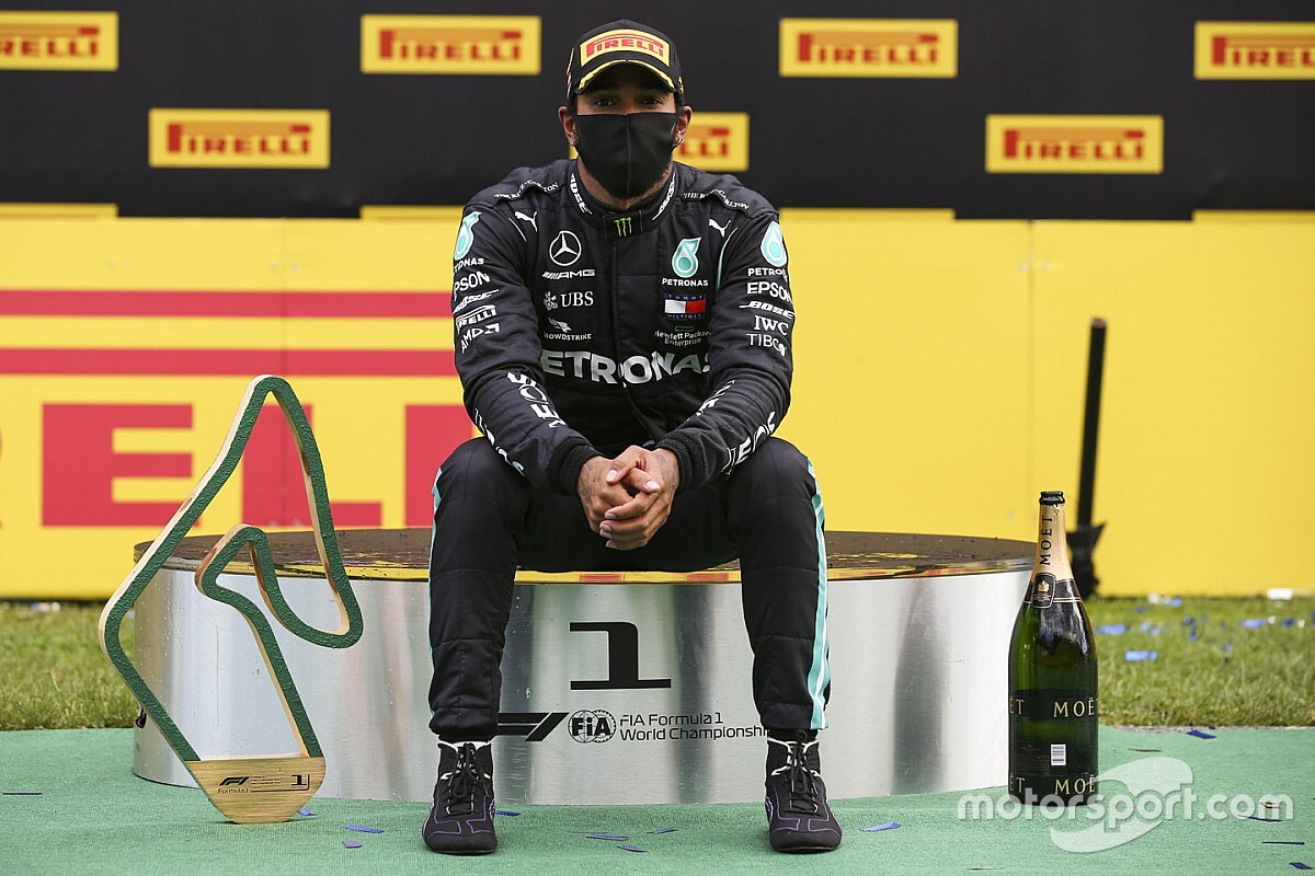 """Hamilton egy másik F1-est kritizált, amiért szerinte """"nem fontos kiállni a rasszizmus ellen"""""""