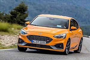 Plug-in hibrid hajtáslánccal érkezik az új Ford Ranger és Focus ST