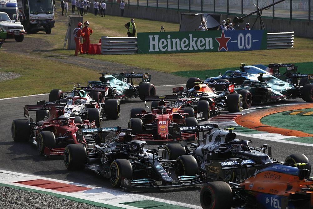 Horner szerint ezért nem tudott előzni Hamilton a sprinten