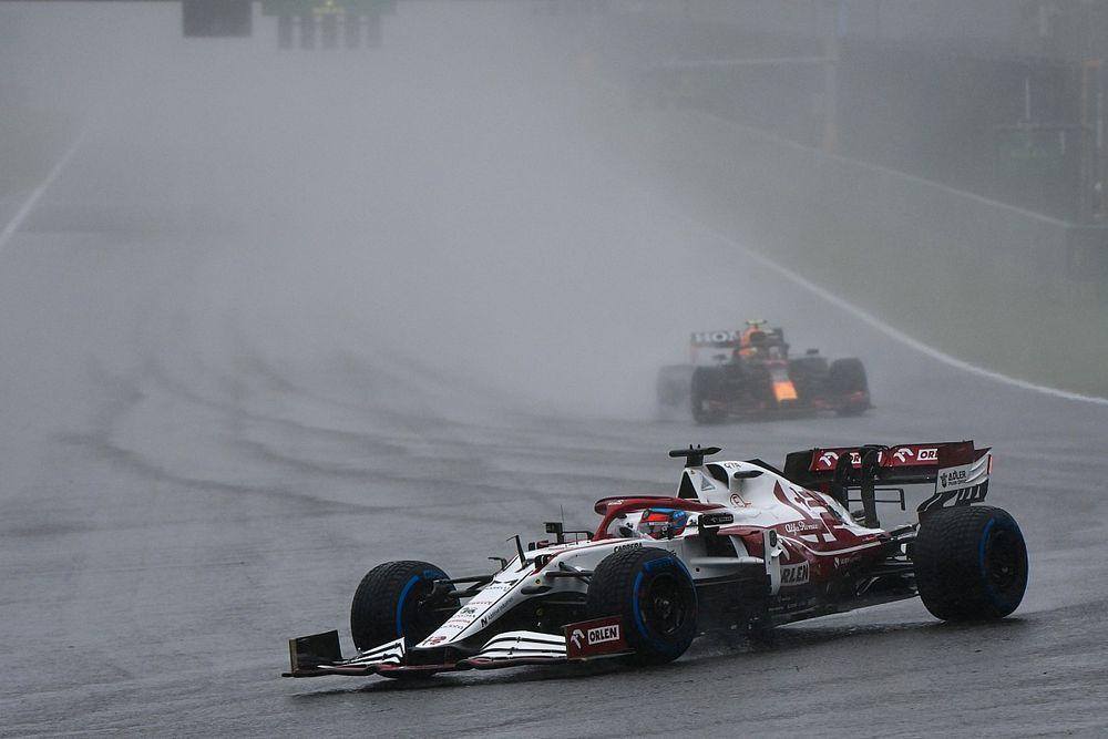 """Raikkonen: """"Yarışla ilgili karar çok daha erken verilebilirdi"""""""