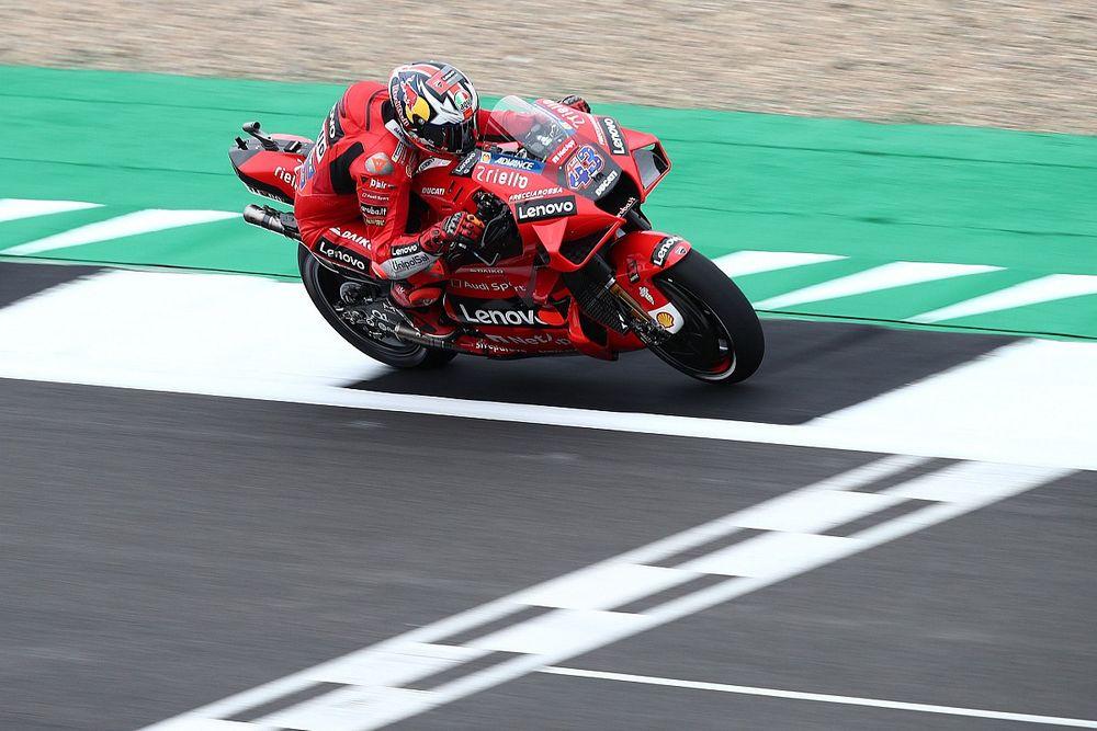 MotoGP, Silverstone, Libere 3: Miller rilancia la Ducati, Rossi 7°