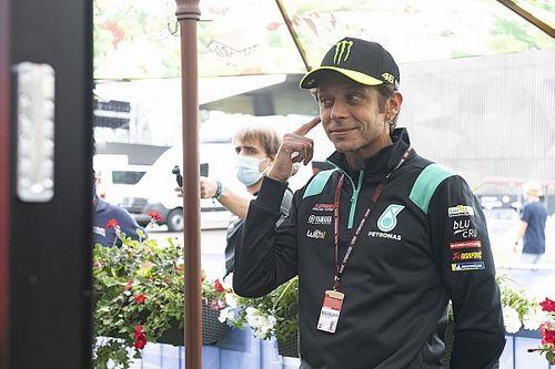 Valentino Rossi Harap Maverick Vinales-Yamaha Berdamai