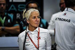 """Hamilton elogia trabalho de preparadora física: """"Melhor parceria"""""""
