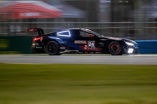 24h di Daytona, 13a Ora: tripletta Cadillac, BMW da applausi