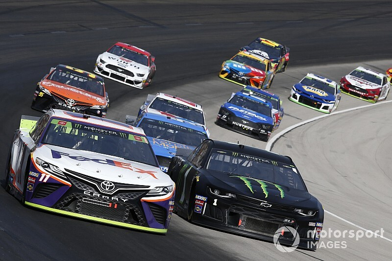 Once a title favorite, Hamlin's championship hopes in doubt