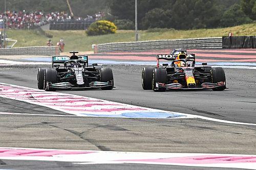 """Hamilton: """"Con Max ai box, avrei dovuto rimanere in pista"""""""