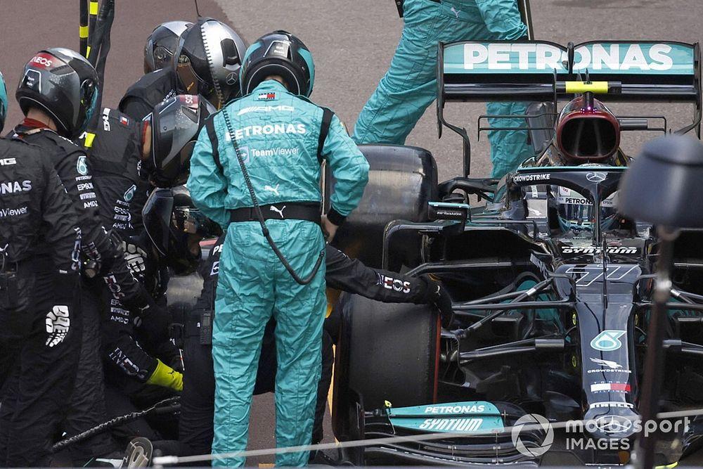 F1: Mercedes finalmente tira roda do carro de Bottas, após o GP de Mônaco