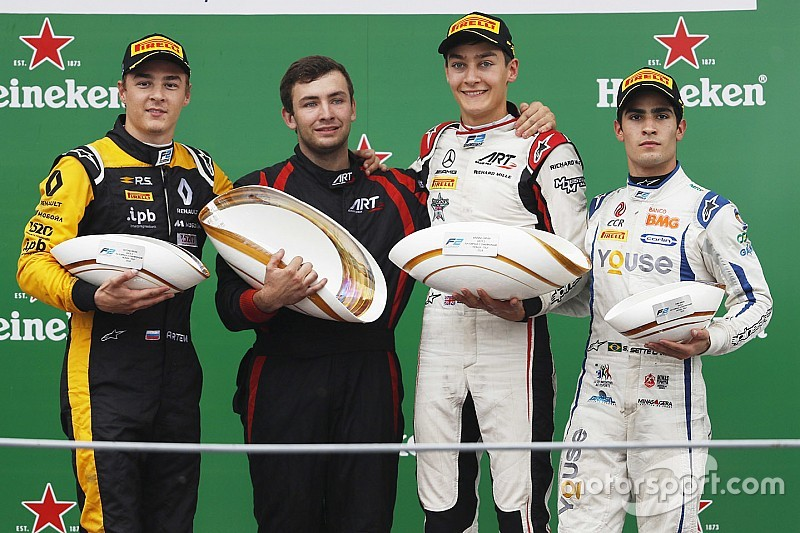 Monza F2: Russell benefits from Markelov error to win
