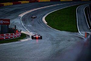 Fórmula Renault: Vidales tira de clase bajo la lluvia de Spa