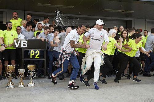 Hamilton 82. F1-es győzelme: egyre közelebb Schumacher rekordja