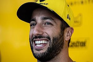 Videó: Ricciardo és az óriási szurkolója