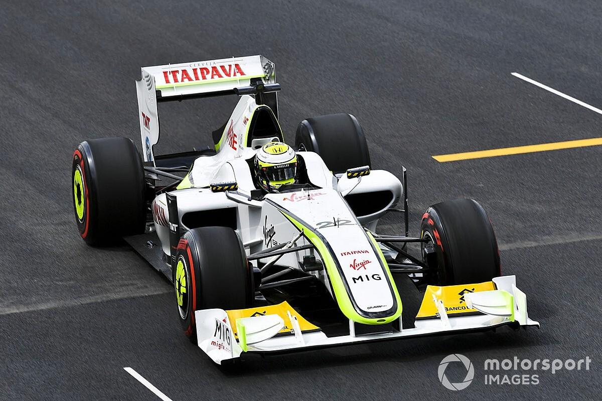 Button újra pályára gurult a világbajnok Brawn GP-vel