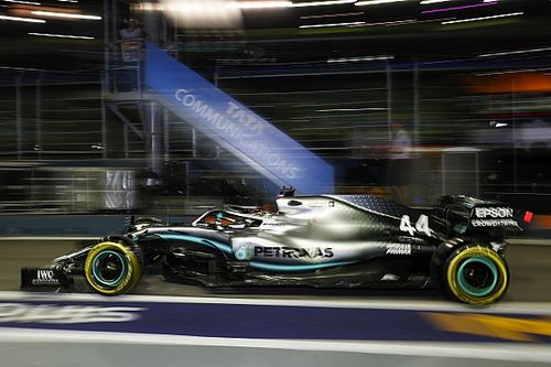 Singapore GP: Hamilton outpaces Verstappen in FP2