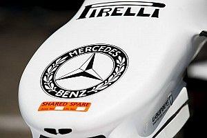 Rengeteg kép a Mercedes különleges F1-es festéséről
