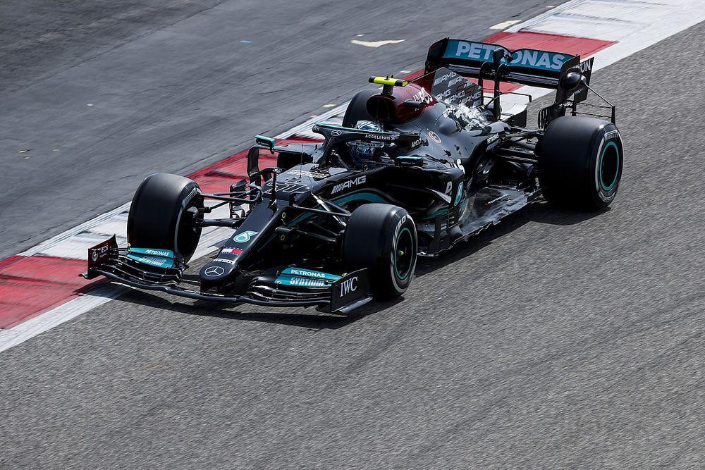 "Wolff baalt van versnellingsbakprobleem Mercedes: ""Geen goede start"""
