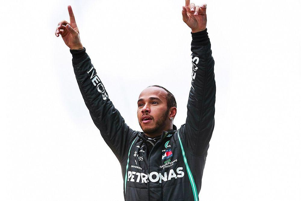 Hamilton boekt briljante zege en stelt zevende wereldtitel veilig