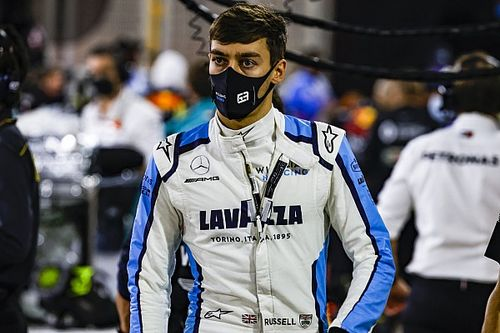 Mercedes confirma Russell na vaga de Hamilton para GP de Sakhir; Aitken correrá na Williams