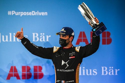 Судьи Формулы Е назначили после гонки десять штрафов. Вернь потерял подиум