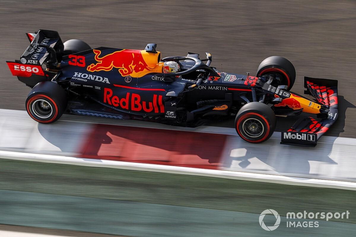 """Verstappen blij met Perez: """"Met twee auto's vechten tegen Mercedes"""""""