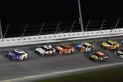 Hamlin's chance at Daytona 500 history ends with top-five