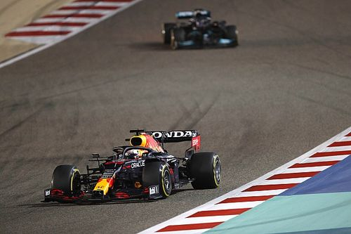 "Horner: Verstappen letting Hamilton through ""the right thing"" in Bahrain GP"
