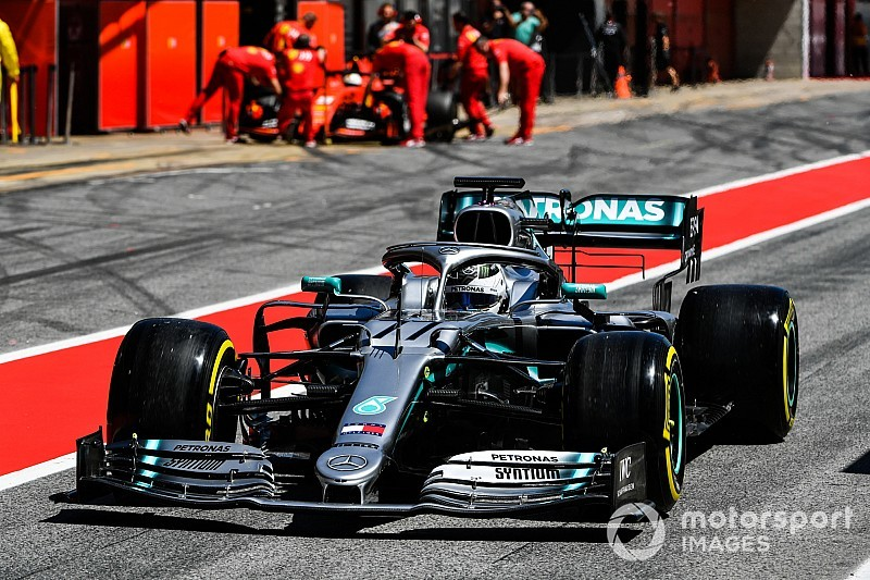 Bottas quickest by 1.4s on first day of Barcelona F1 test