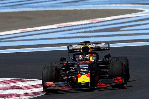 Hamilton naar stewards na hinderen Verstappen in tweede training