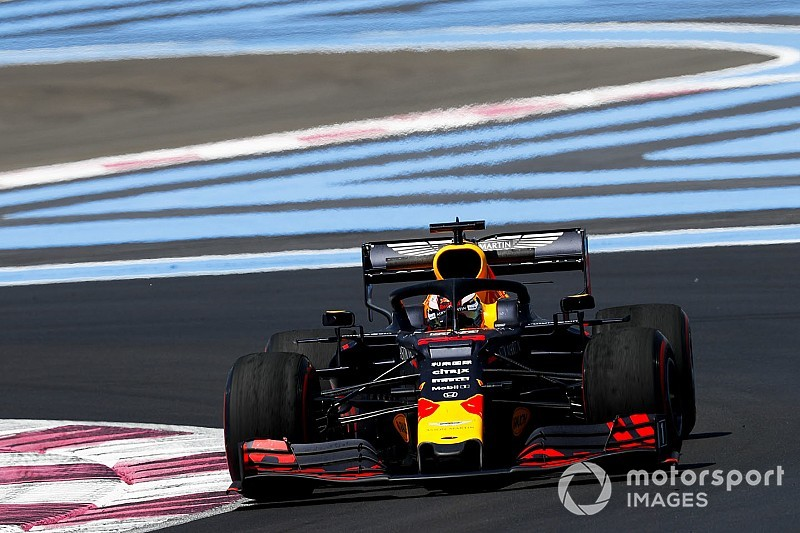 Hamilton naar stewards na hinderen Verstappen in tweede training