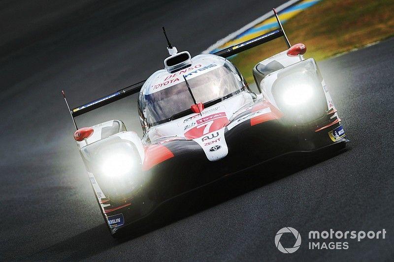 Toyota imperturbable, Maldonado se crashe