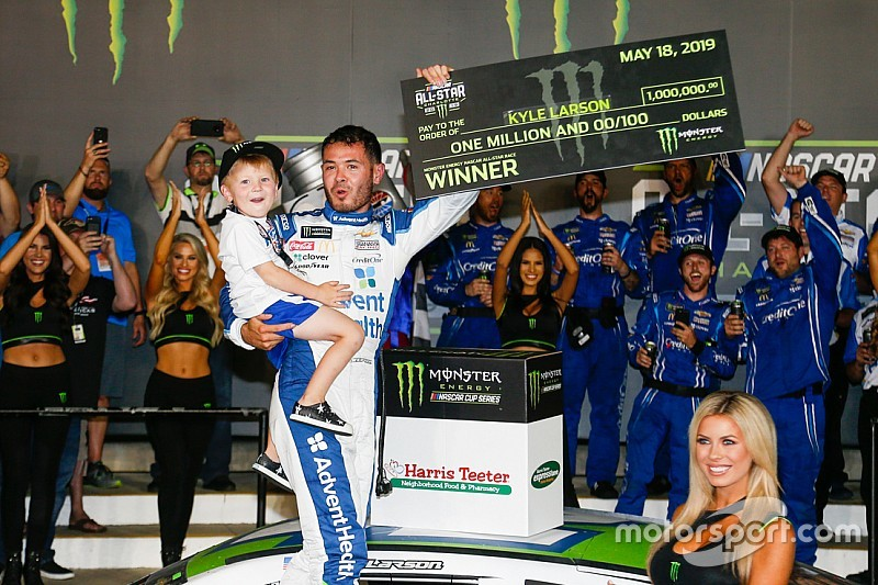 NASCAR: Kyle Larson gewinnt packendes All-Star-Race 2019 in Charlotte