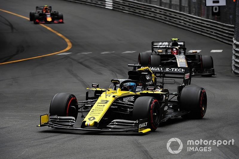 Ricciardo baalt van strategische fouten bij Renault in Monaco