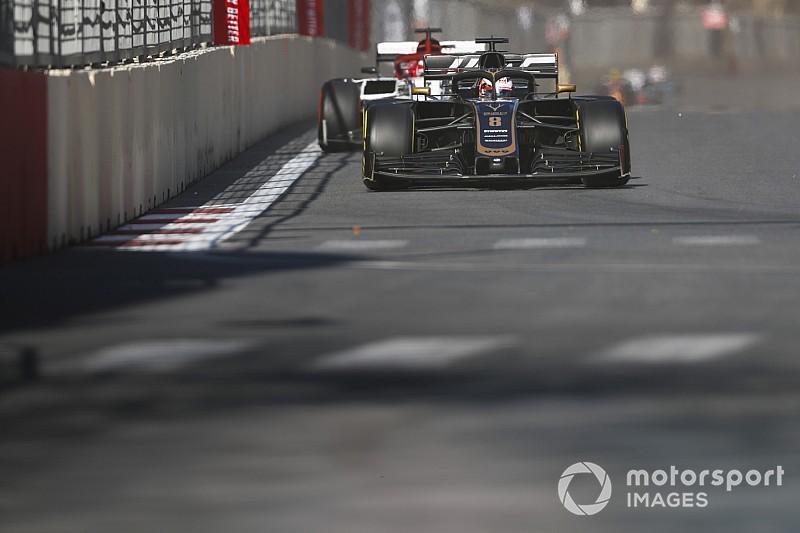 Un molesto Kimi, la autocrítica de Leclerc y más radios de Bakú