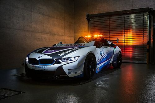 BMW revela novo safety car híbrido da Fórmula E