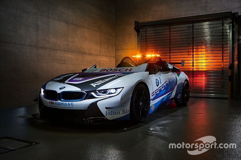 BMW revela novo safety car híbrido da Fórmula E