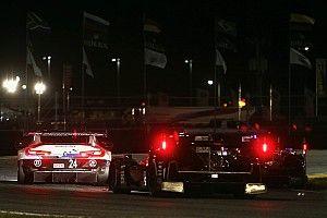 La fuerte lluvia en Daytona obliga a mostrar la bandera roja