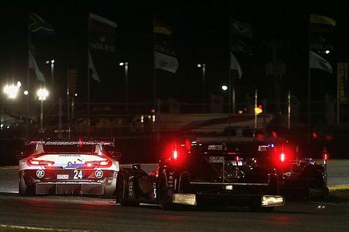 24 Ore di Daytona: troppa acqua in pista, sventola la bandiera rossa con Alonso leader