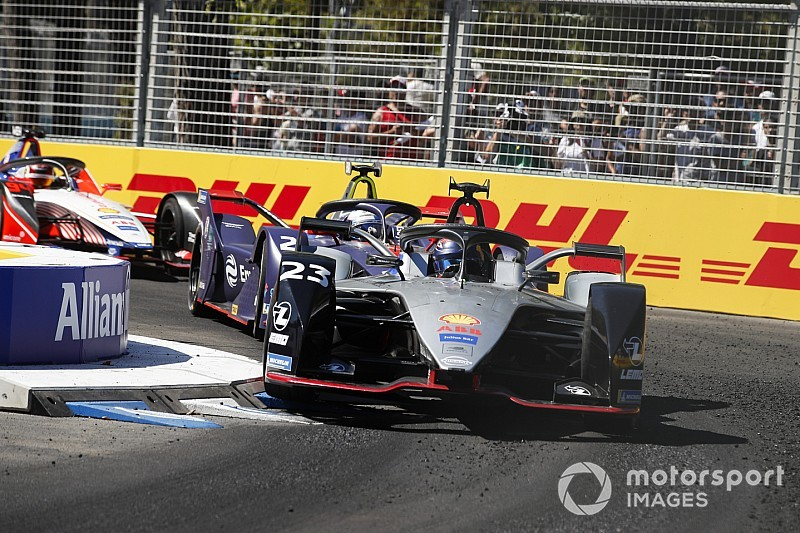 Buemi culpa a un problema de software de su decisivo accidente en Santiago